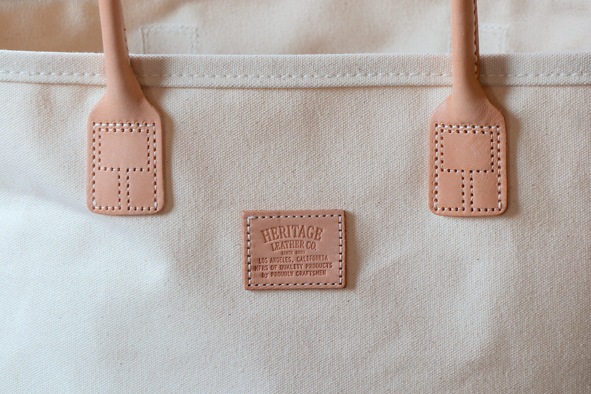 Day Tote (W):       Natural / Chocolate Suede