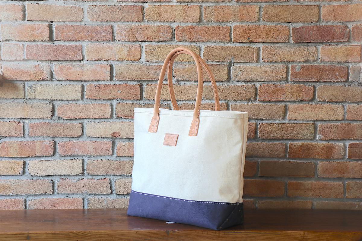 Day Tote:          Natural / Navy