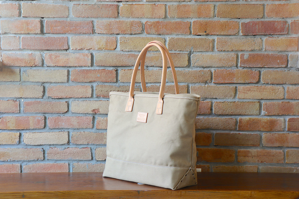 Day Tote:         British Tan