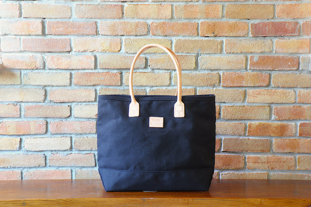 Day Tote:         Black