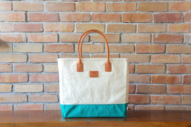 Day Tote:  Natural / Green