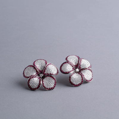 VINTAGE: Daisy White Earrings