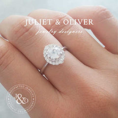 2 carats white sapphire engagement ring