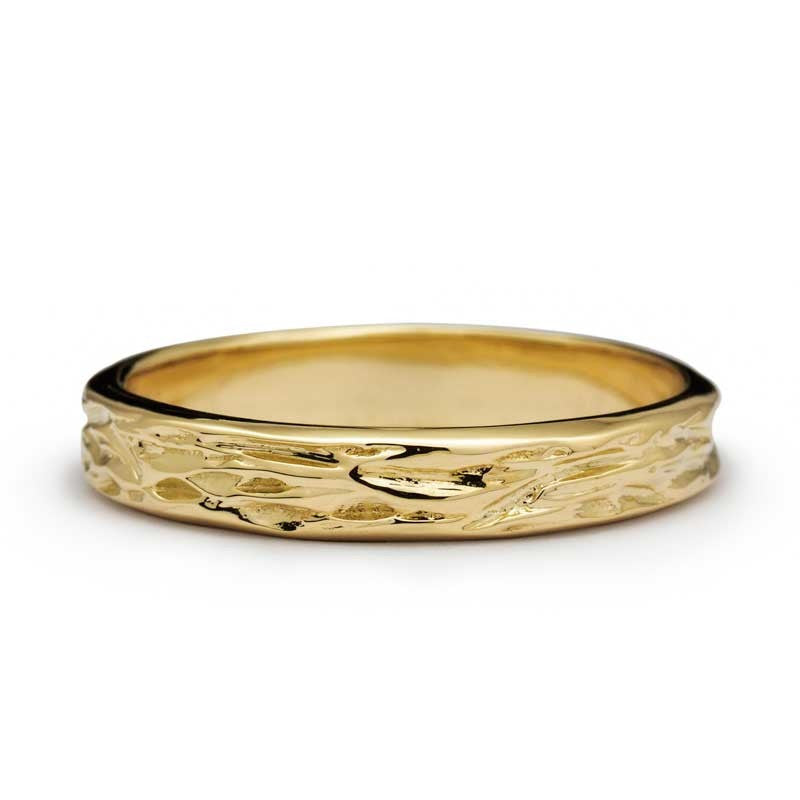 WOODEN CARVES WEDDING RING