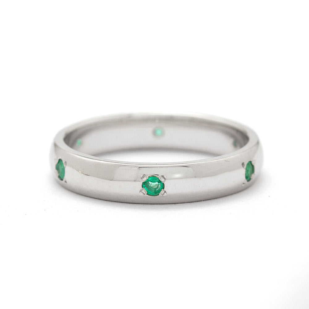 This is a photo of The Emeralda Wedding Band