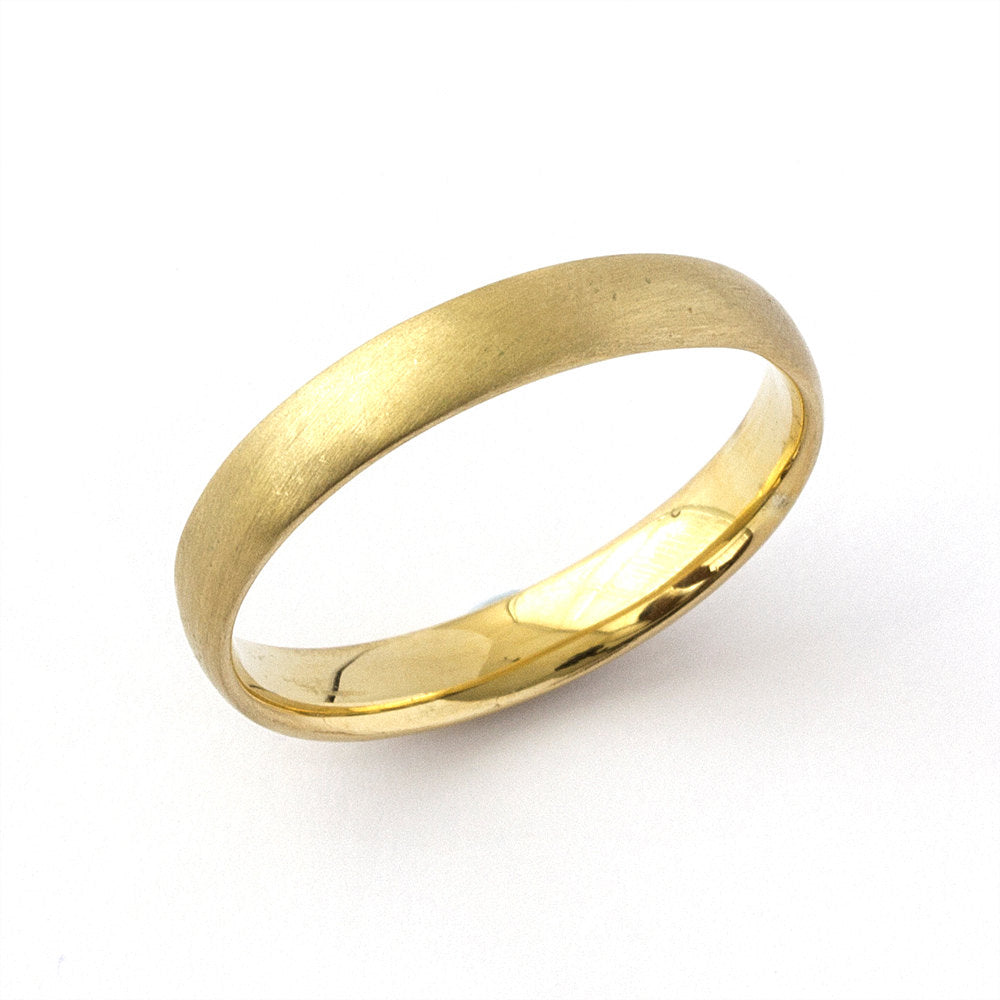 Classica Golden Wedding Ring Juliet Oliver