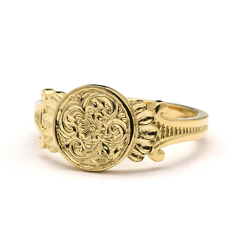 Aria Signet Ring
