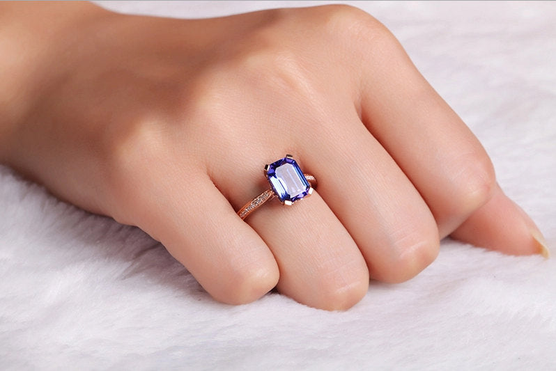 gold tanzanite engagement ring