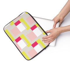Magnetised Laptop Sleeve