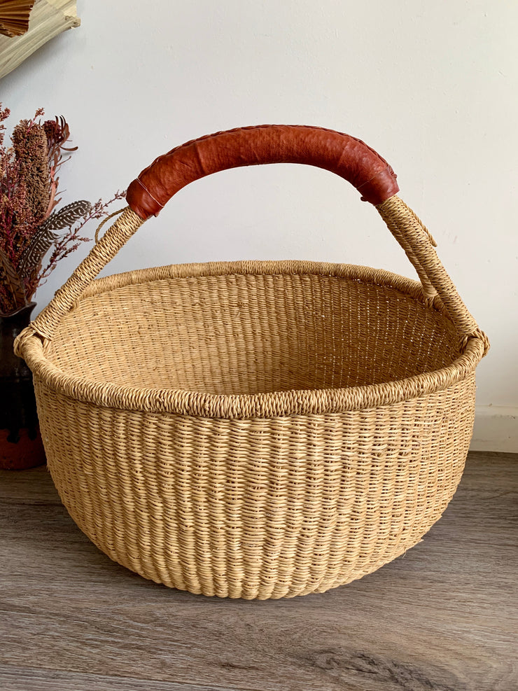 Earth Medium Market Basket (Tan Handle)