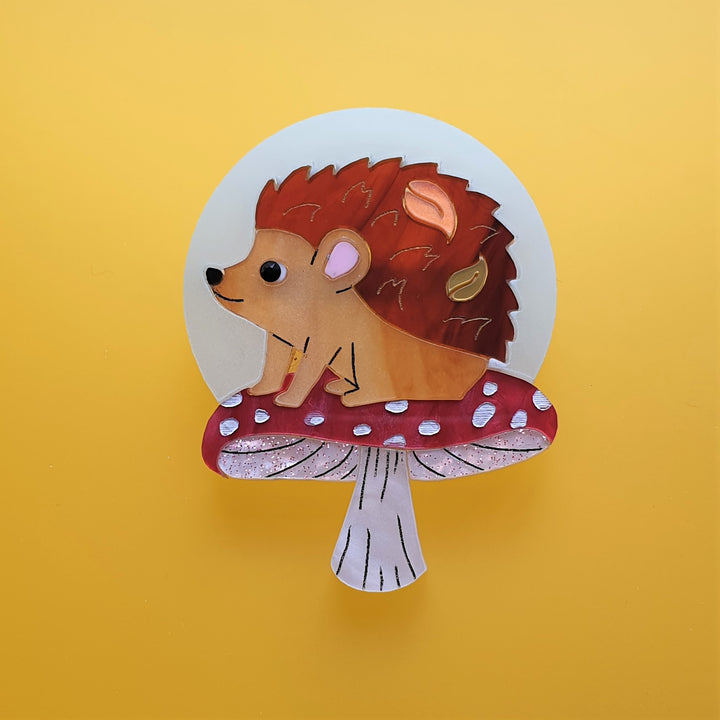 Cherryloco : Autumn : Moon gazing hedgehog brooch (PRE-ORDER, NOT IN STOCK, DUE MID MAY)