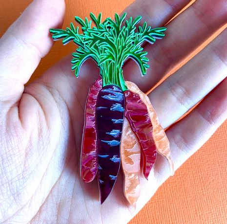 Louna Rae : Two leaf flower studs - pink