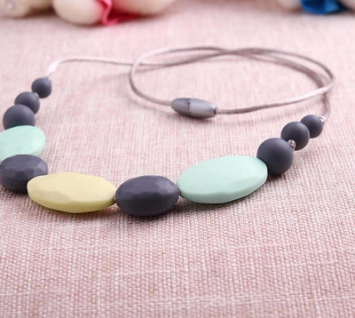 Infant Teething Necklace Jewelry for Mom Multicolor Beads & Flat Oval Silicone Food Grade Baby Nursing Teether