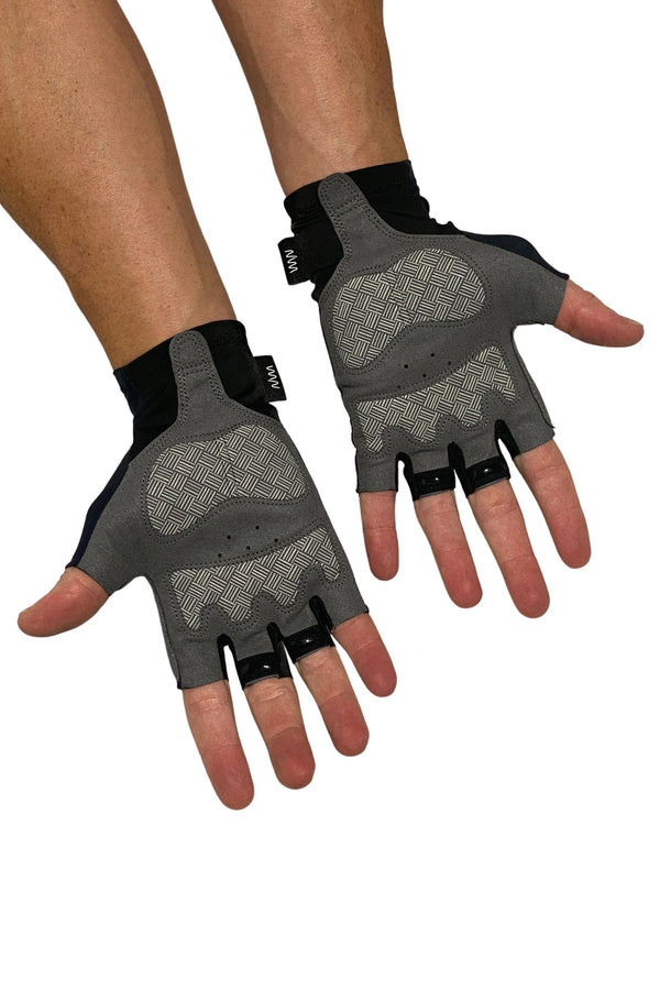 essentials TT gloves- black