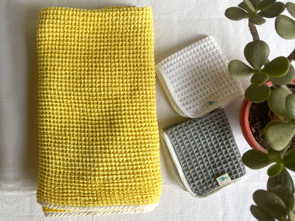 RECTANGULAR TOWEL SET (Yellow)