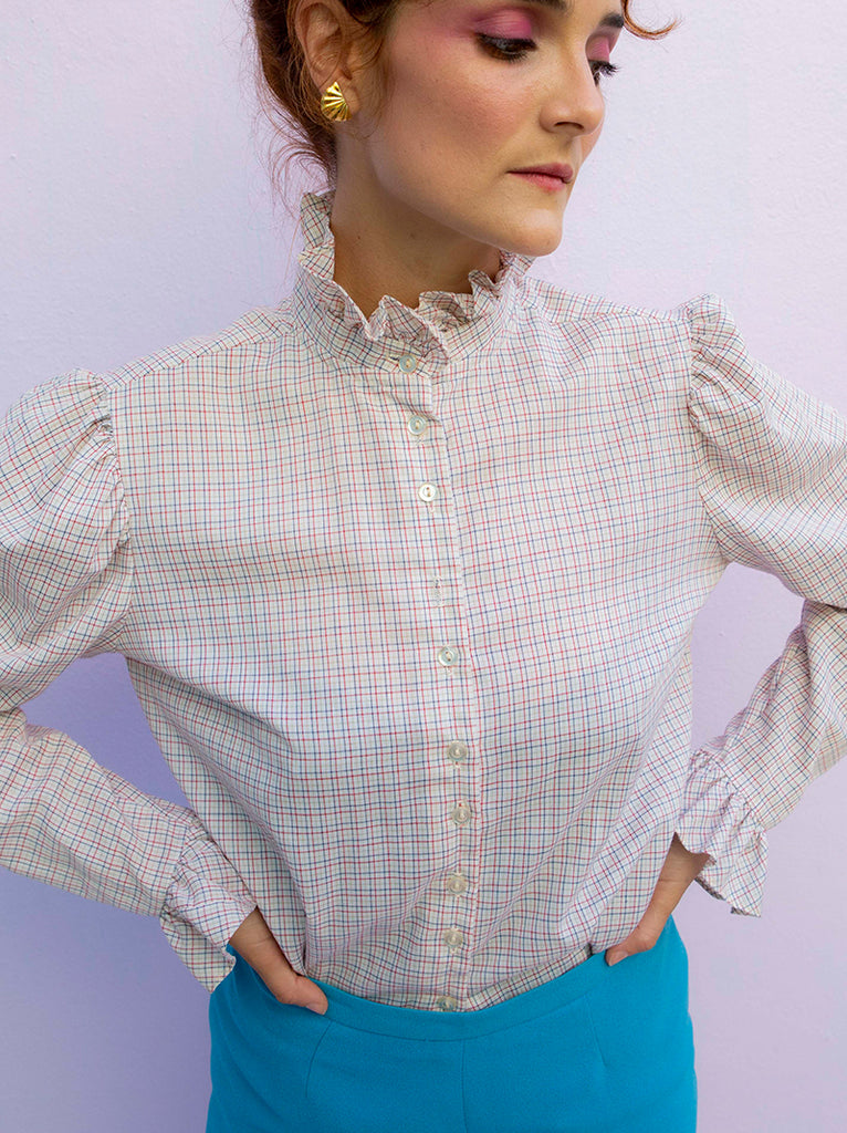 Vintage french country button up blouse