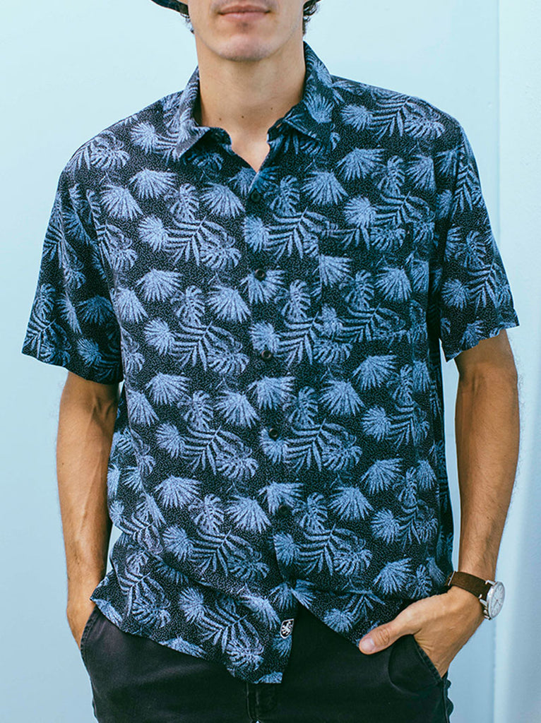 90's Black & blue palm print shirt