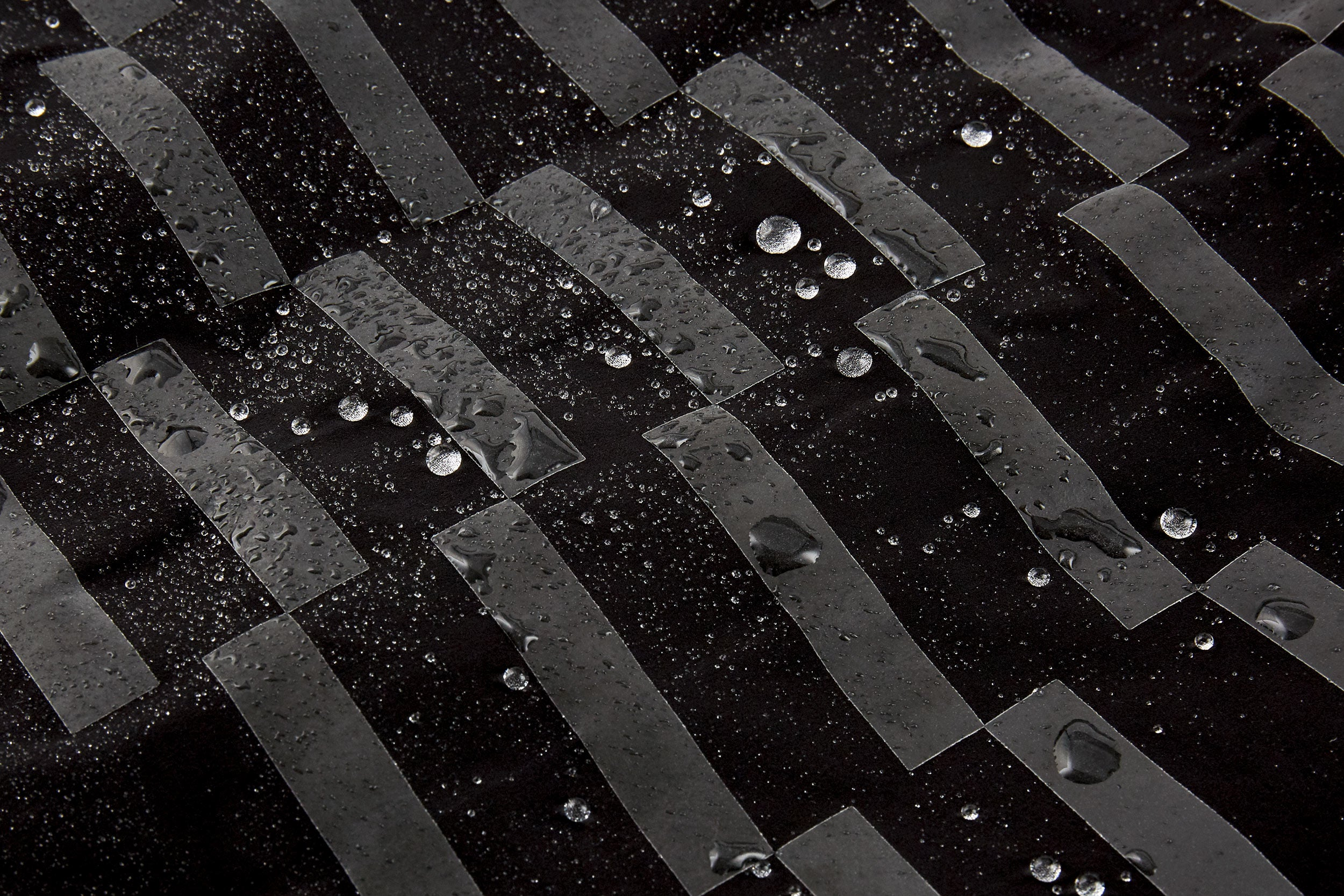Our ProTech performance fabrics are treated with a double layer of DWR (Durable Water Repellent) providing outstanding hydrophobic performance and giving a new level of protection in wet-weather and changeable conditions. Excellent wind resistance is another key benefit, while the fabric's thermo-regulating qualities allow excess heat to escape, even when riding high tempo. True three-season versatility.