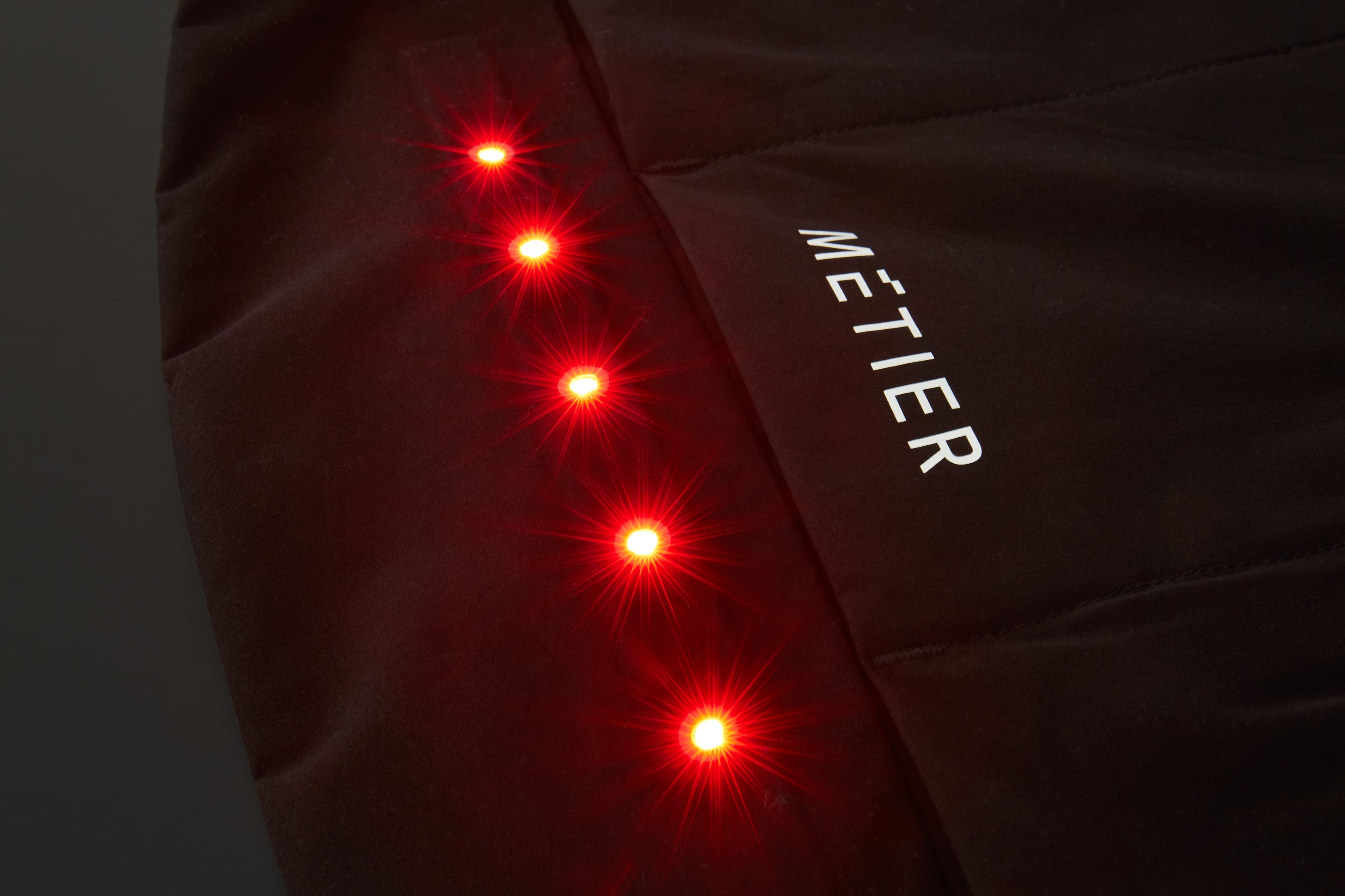 Our BrightRide lighting system is seamlessly bonded into the front and rear of the garments. UHI (Ultra High Intensity) and UHB (Ultra High Brightness) LEDs deliver fantastic personal visibility, allowing you to ride all day and through the night. Bonding and precision laser cutting techniques give the garments a sleek, modern aesthetic while reducing overall weight.