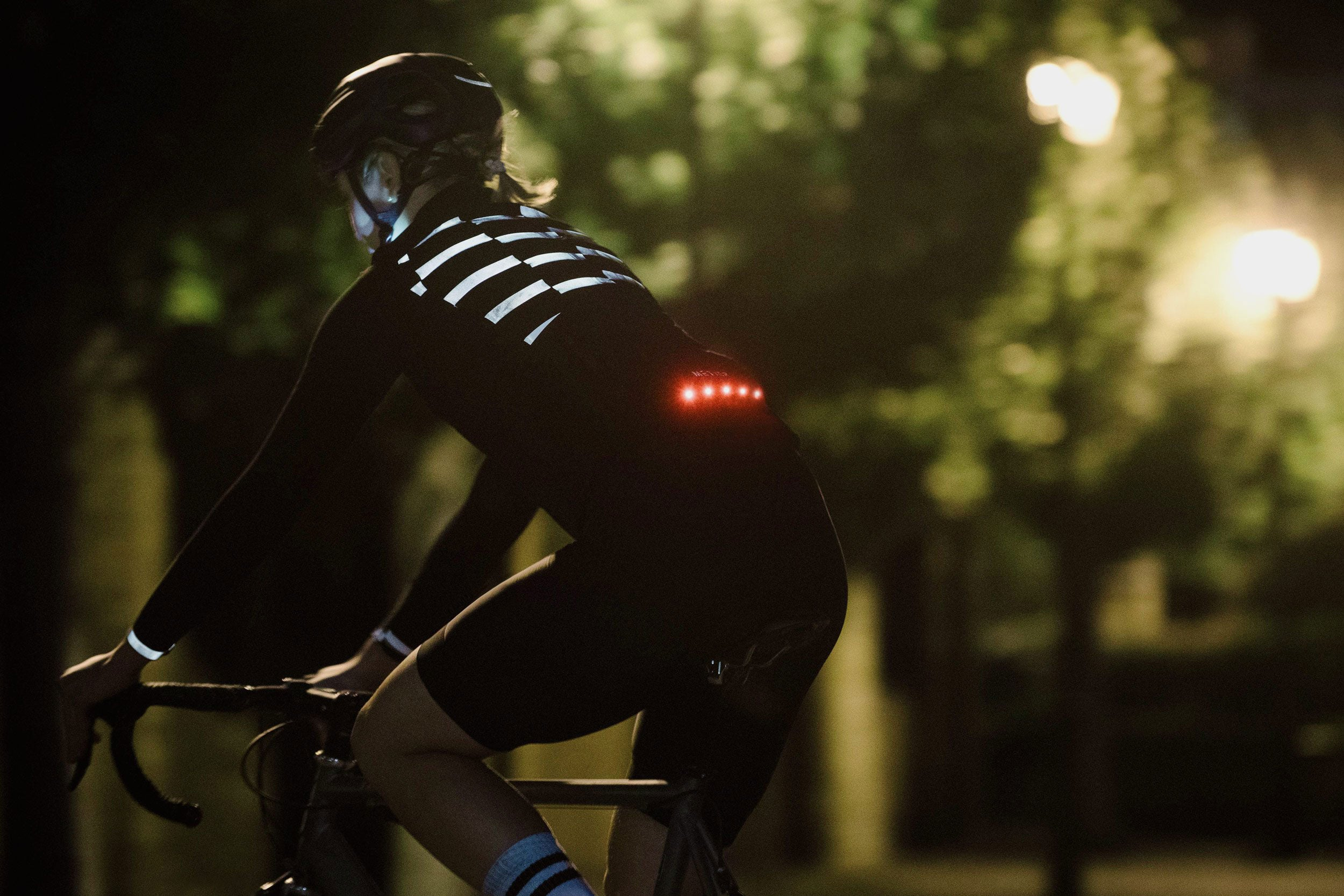 Our BrightRide lighting system is seamlessly bonded into the front and rear of the garments. UHI (Ultra High Intensity) and UHB (Ultra High Brightness) LEDs deliver fantastic personal visibility, allowing you to ride all day and through the night. Taking advantage of BioMotion (the human ability to perceive form and movement from a few small stimuli), you become recognisably human and instantly more visible.