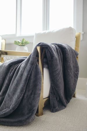 Chinchilla Grand Faux Fur Extra Large Throw Blanket