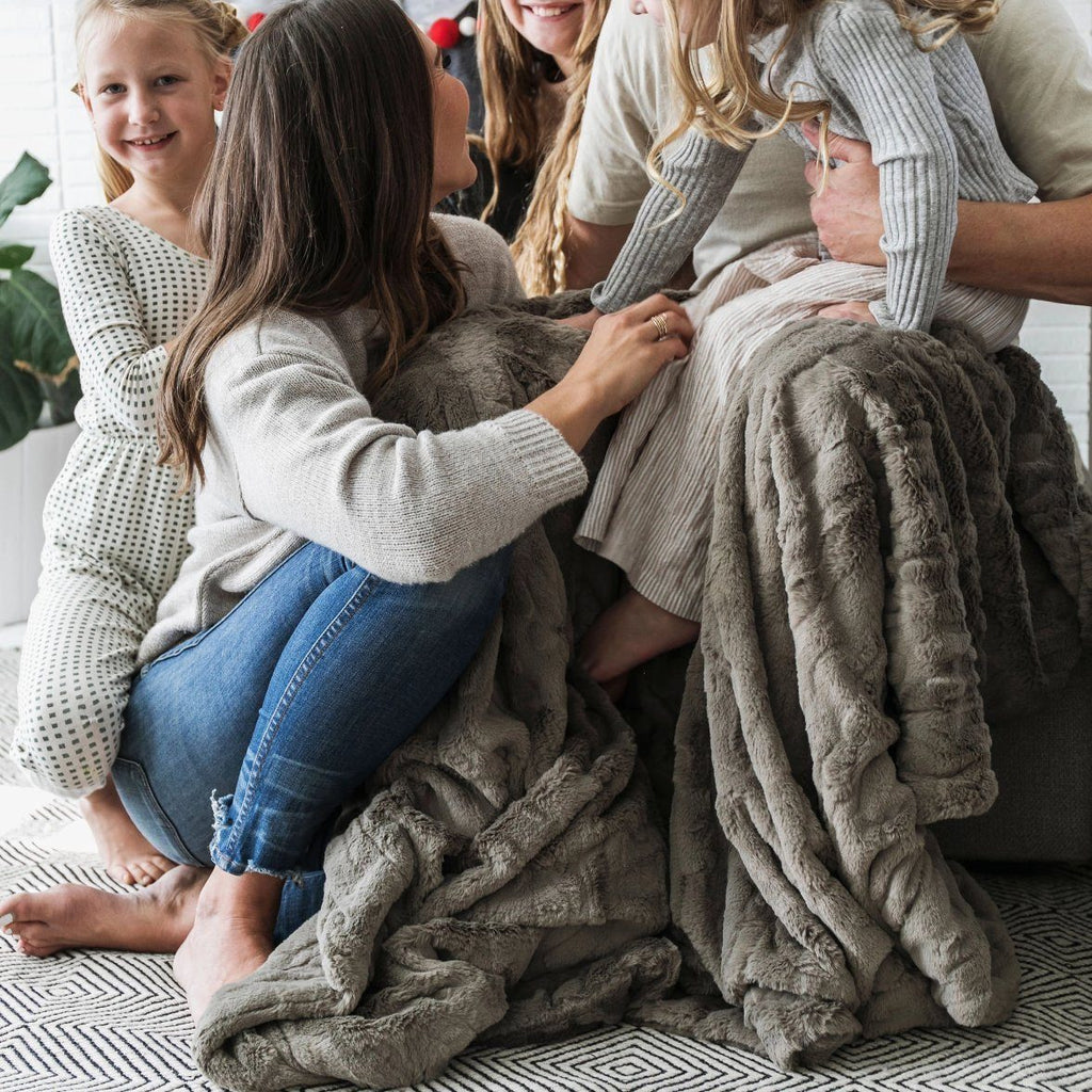 Cashmere Extra Large Lush Throw Blanket