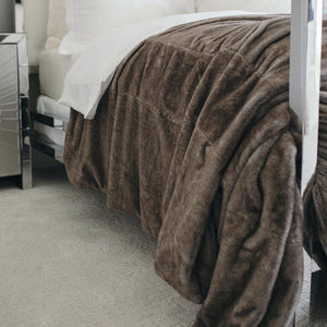 Timberwolf Saranoni Grand Faux Fur King Size Blanket