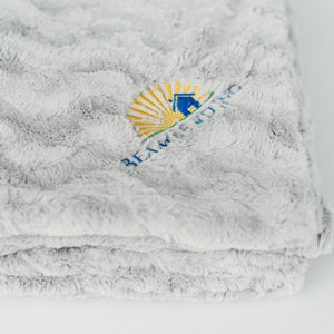 Dove Wave Extra Large Throw Blanket