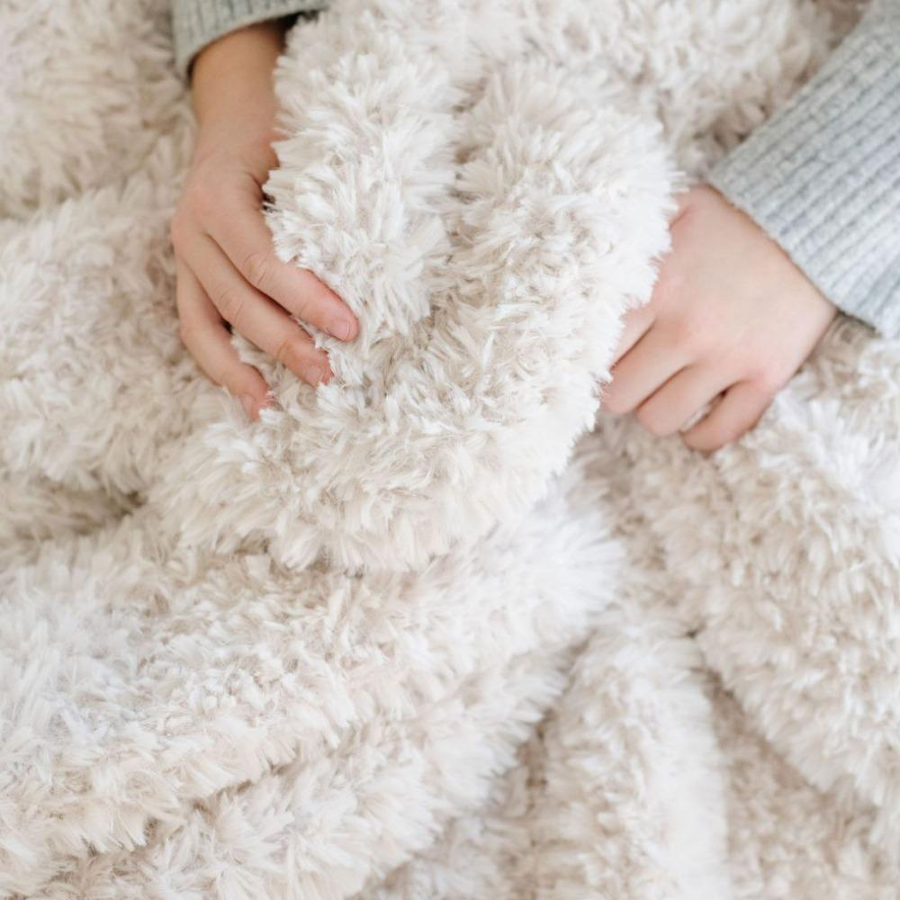 White Sand Knit Faux Fur Throw