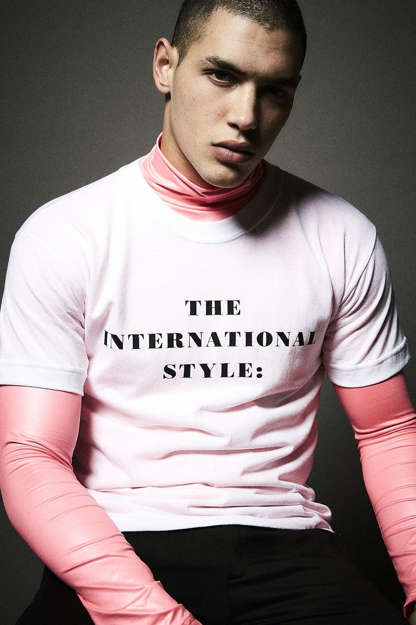Remera The International Style