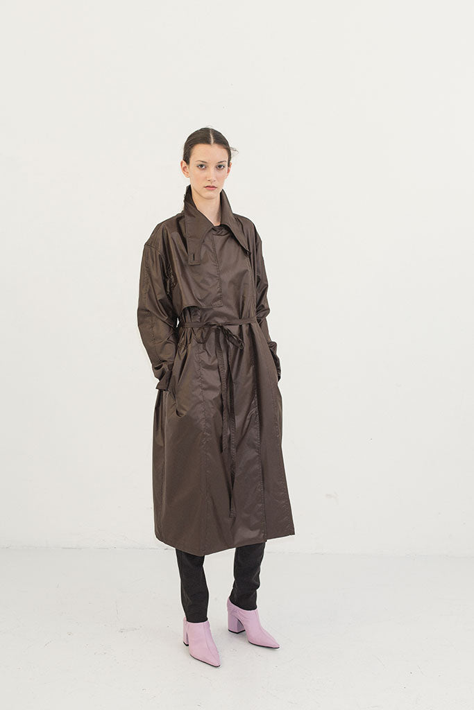 IMPERMEABLE EMOCIONAL MARRON