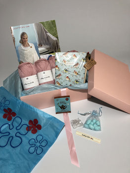 September 2018 Ladies Box Buy Today Whilst Stock Lasts! Knit in a Box