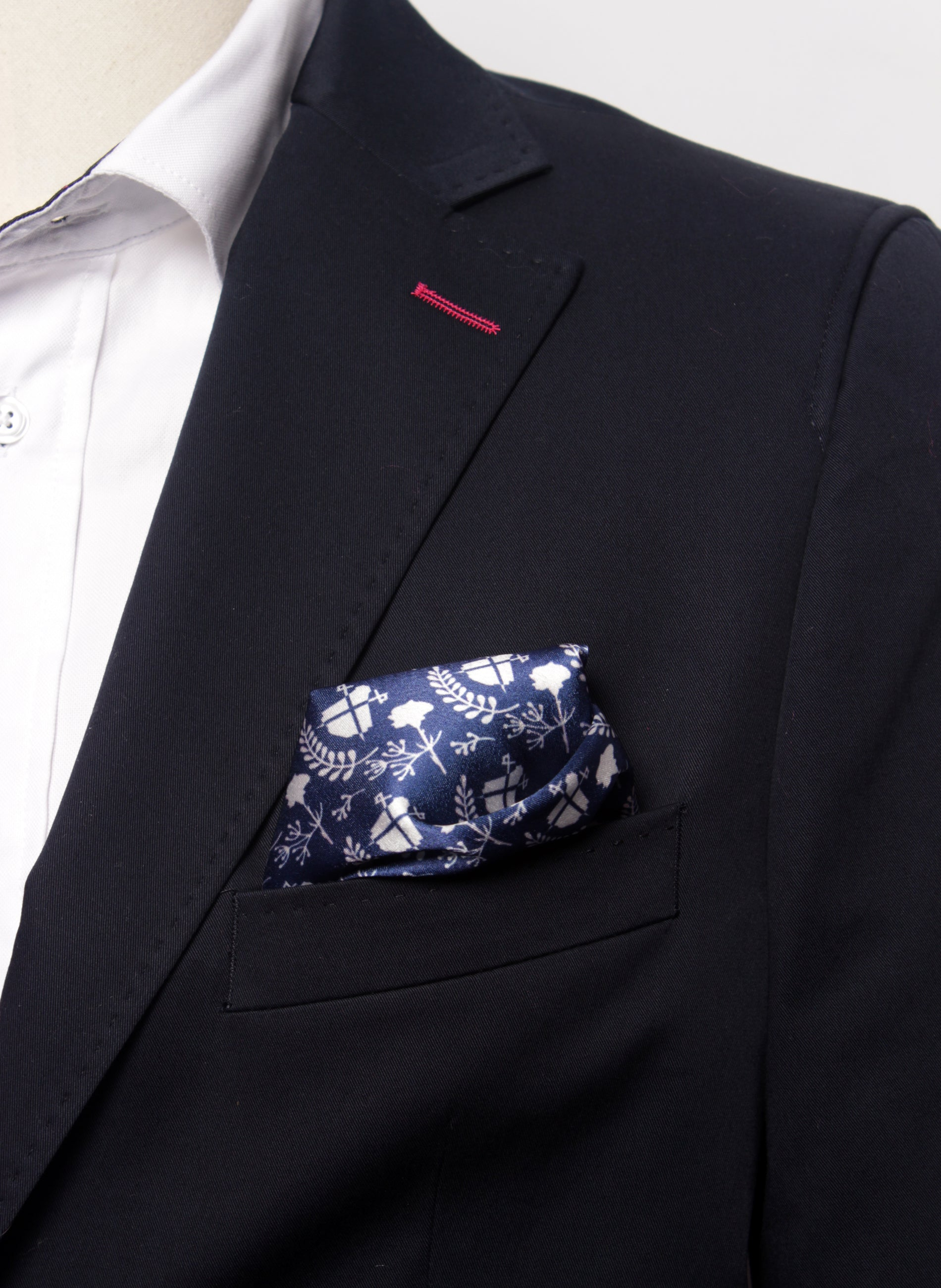 Zakdoek Pocket Navy Blue Logos Blancos