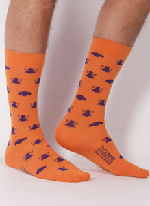 Orange Sock Monteras in Nazareno