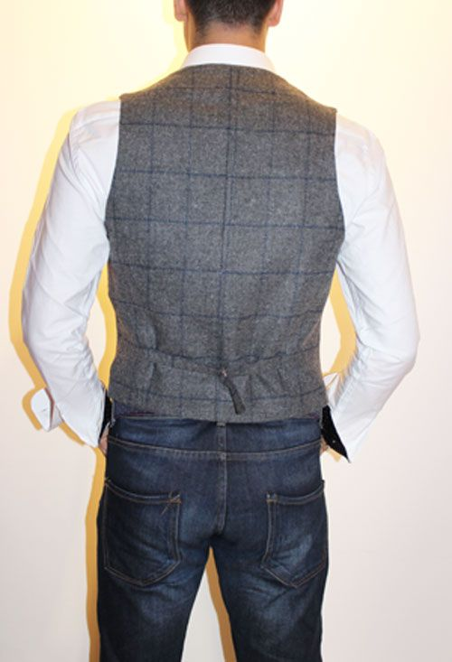 GRAY VEST WITH BLUE PICTURE