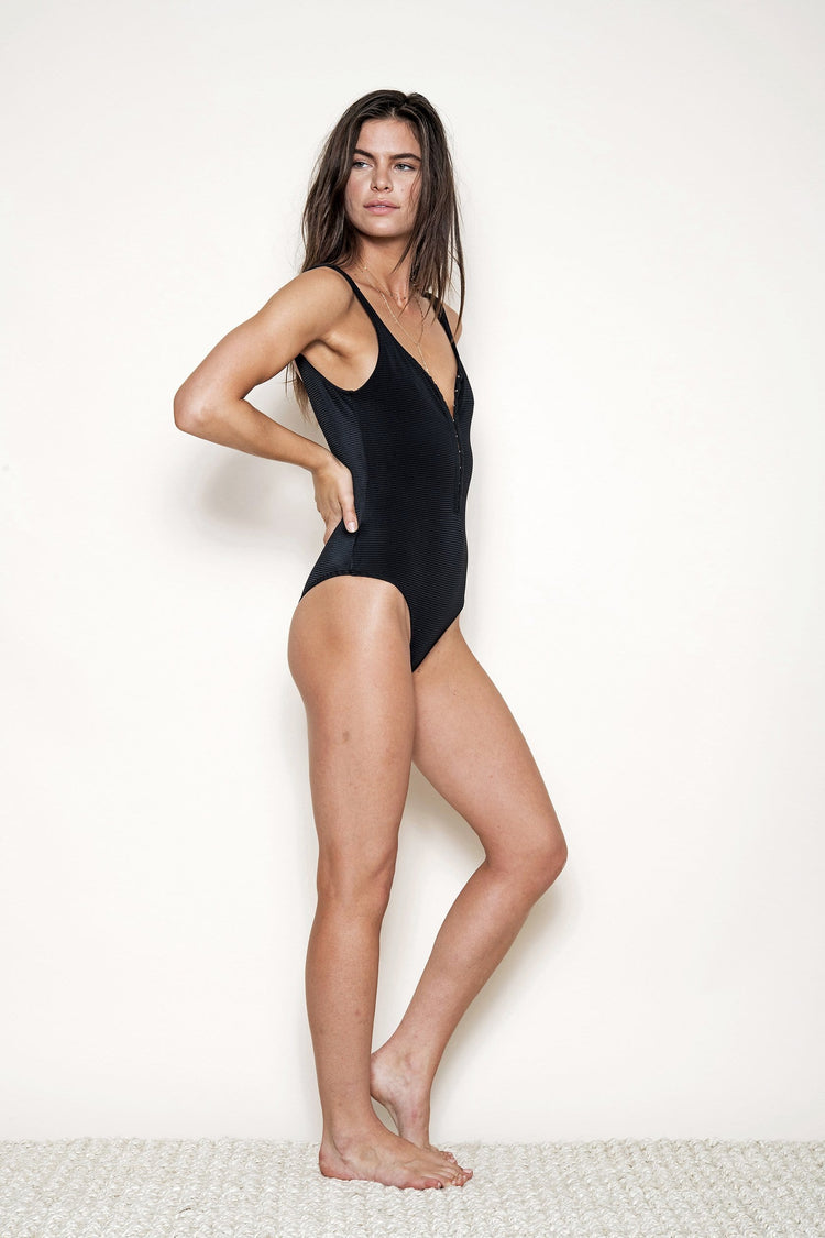 CHERYL ONE PIECE – BLACK