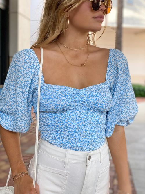 MELODY SKY FLORAL SMOCKED TOP