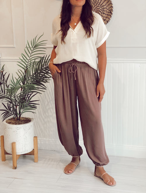 AXTON HIGH WAISTED WOVEN PANTS