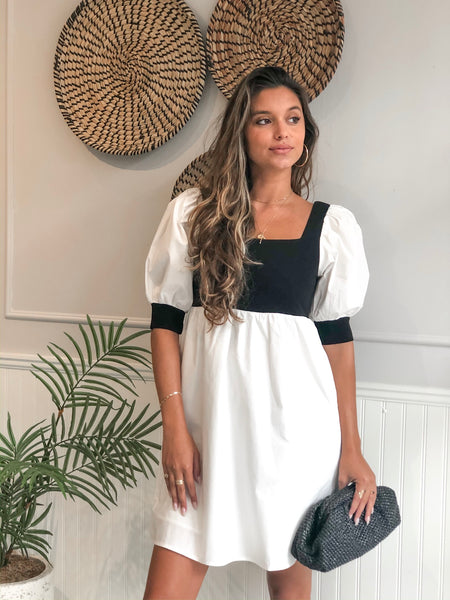 CHELSEA WHITE BLACK BABYDOLL DRESS