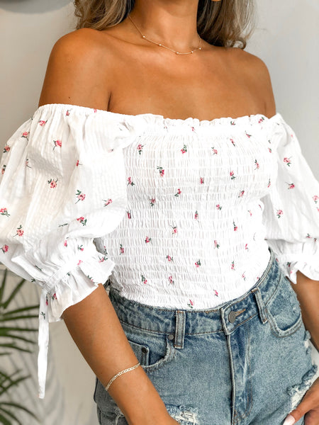 LUCIA WHITE FLORAL SMOCKED PUFF SLEEVE TOP