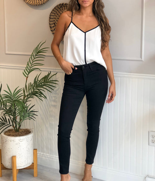HAYLE HIGH RISE BLACK ANKLE SKINNY