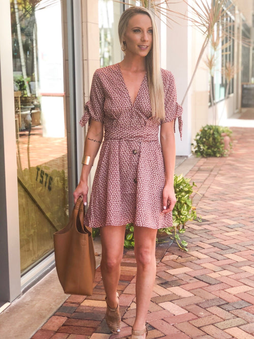 LEILANY FLORAL TIE SLEEVE DRESS