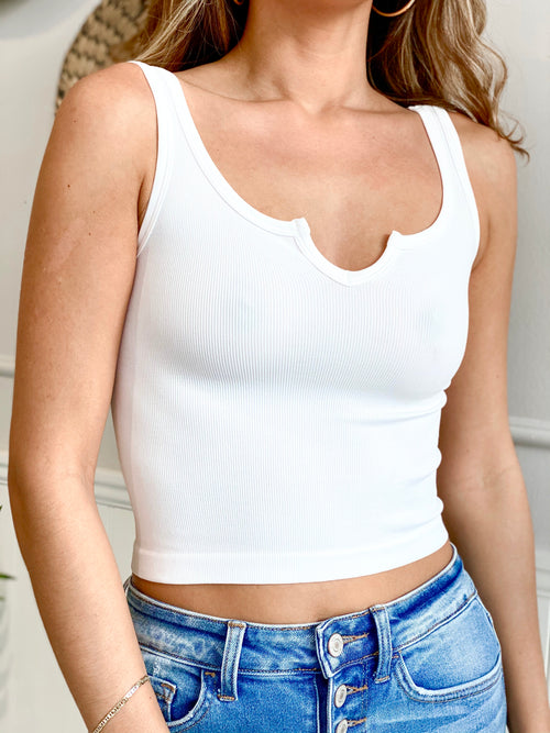 MACI CENTER CUT TOP