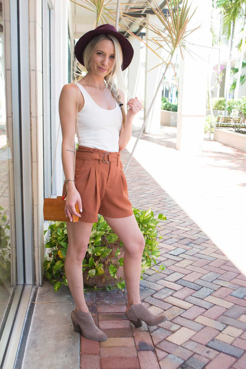 AINSLEY HIGH WAISTED PLEATED SHORTS