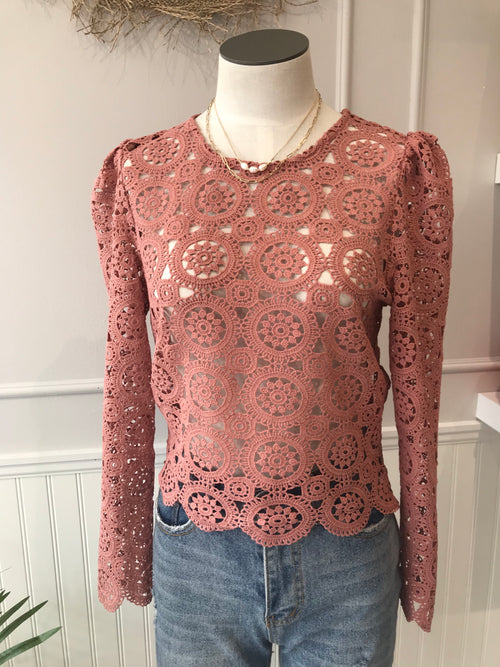 MOLLY DUSTY ROSE CROCHET TOP