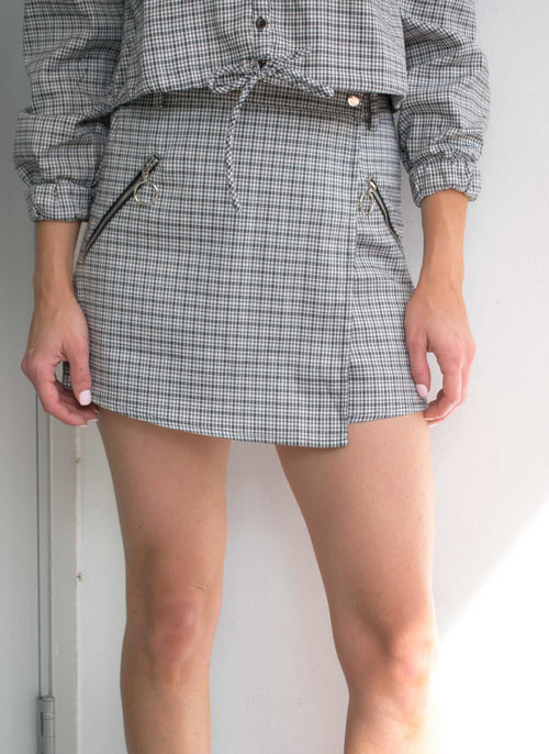 LEILA PLAID FRONT WRAP SHORTS