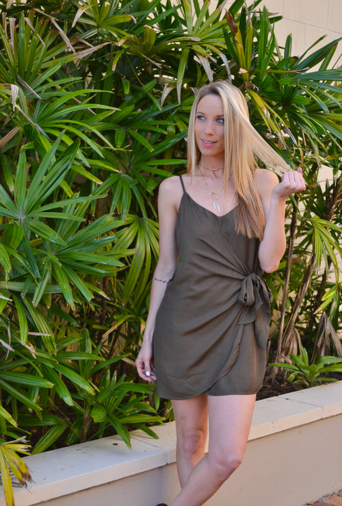 ABRIL OLIVE SPAGUETTI STRAP DRESS