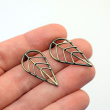 Skeletal Leaf Studs
