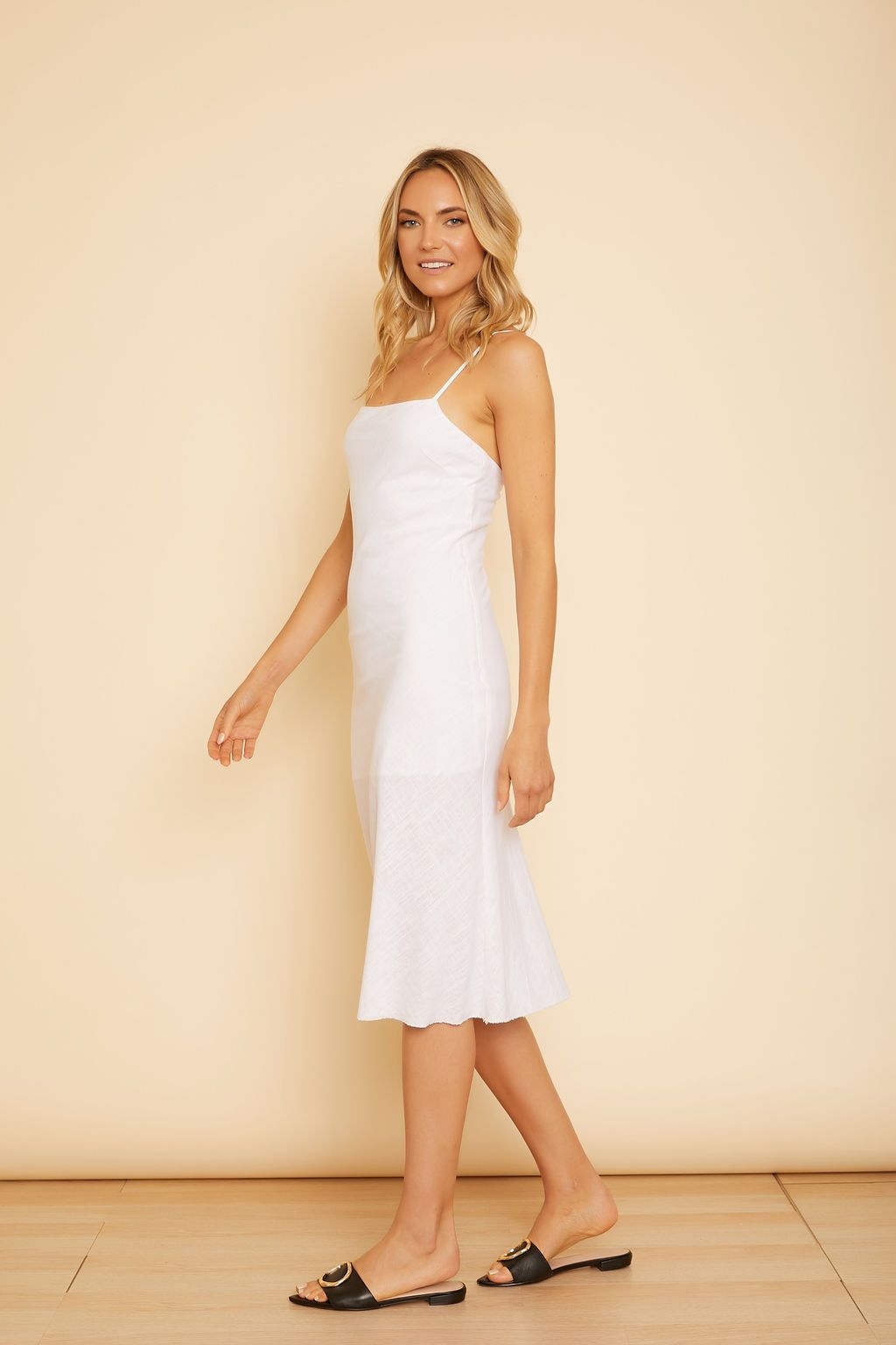 Gaby Linen Sleeveless Dress - wearNYLA