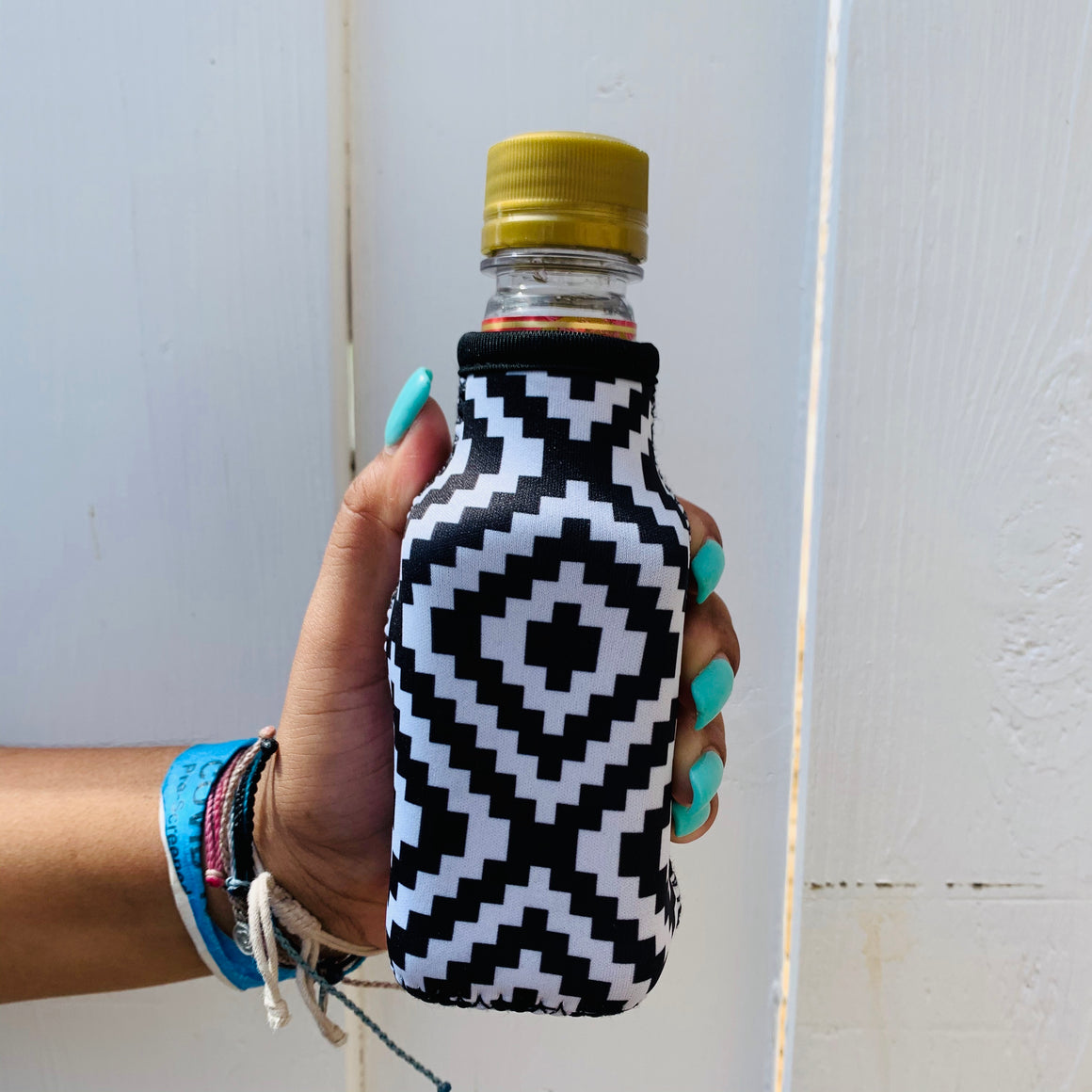 Black & White Aztec Mini Bottleneck Cooler